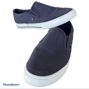 TOMMY HILFIGER nautical navy casual slip on shoe